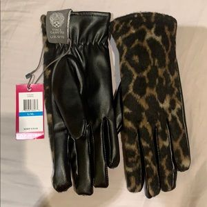 Vince Camuto gloves. Size L/XL. New, with tags.